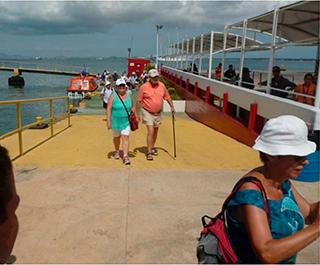El-SENIAT-visita-primer-crucero-de-la-temporada-turística-en-Margarita-2016-2017 02